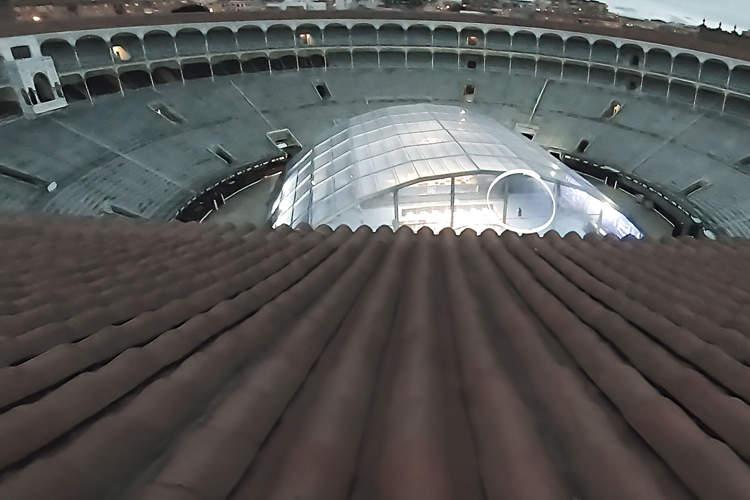 tejado de la plaza de toros madrileña