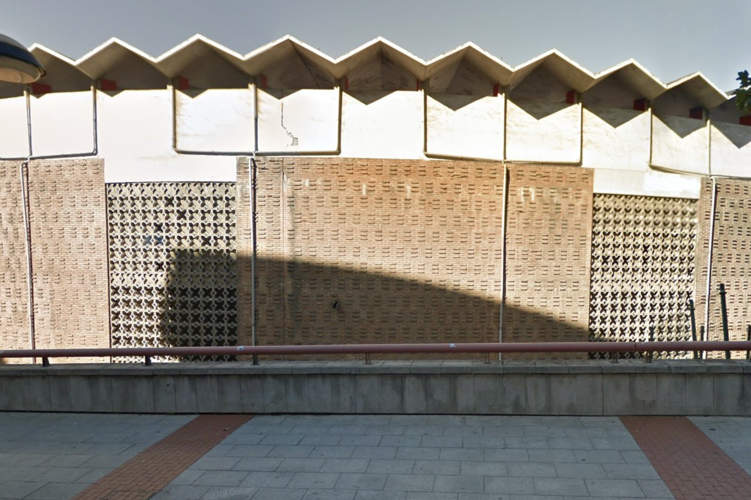 fachada plaza de toros de bilbao