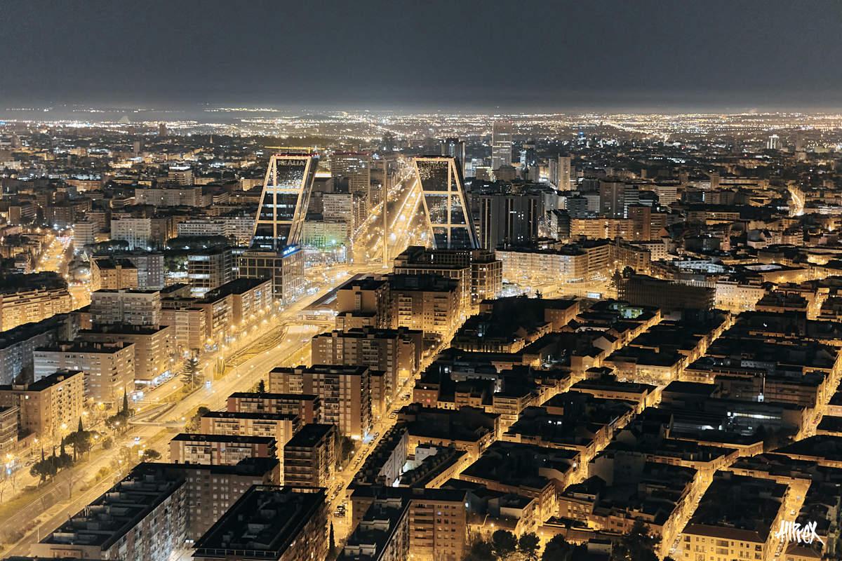 paseo de la castellana Madrid torres kio