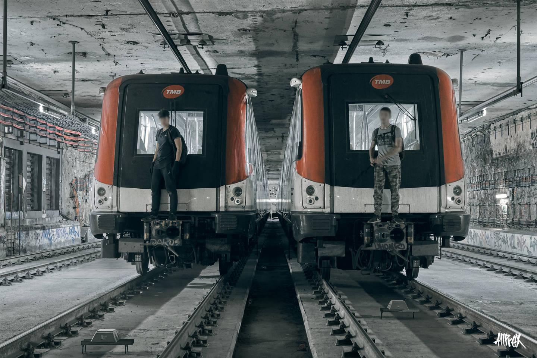 trenes aparcados metro de barcelona