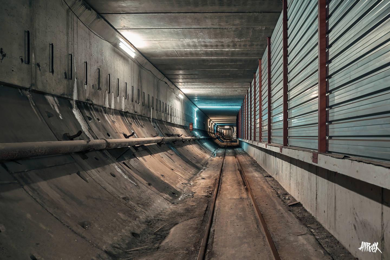 metro de barcelona tunel abandonado