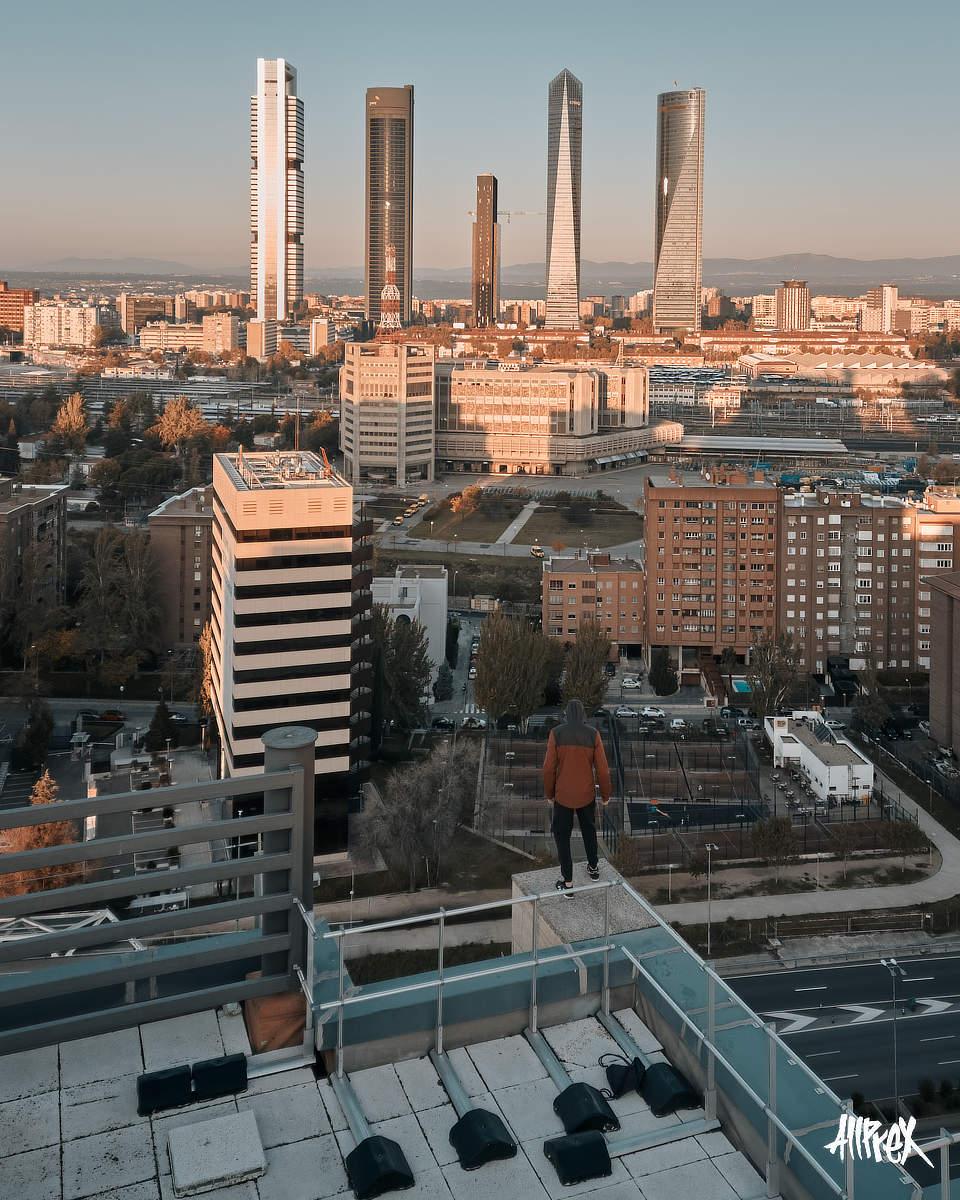 5 torres de Madrid al amanecer