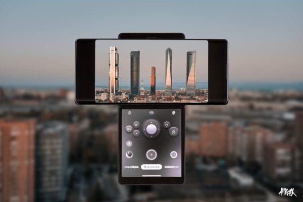 LG Wing fotografiando las 4 torres de Madrid